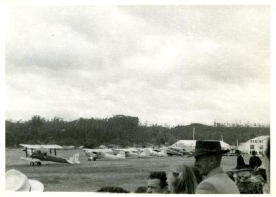 Air pageant Fenton Street aerodrome